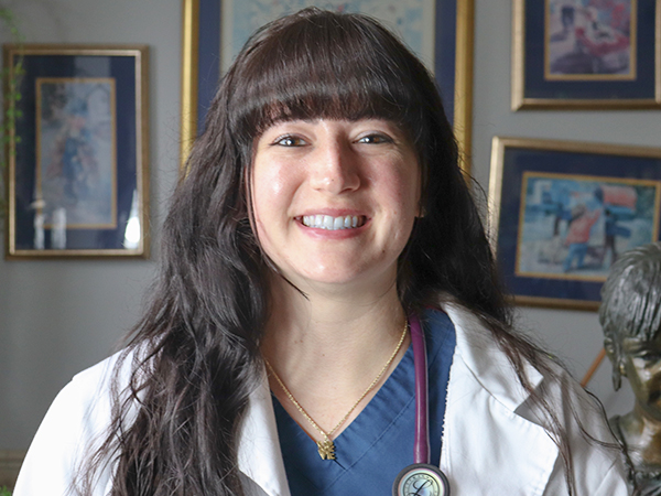 Meet Dr. Rebecca Shumar of Jefferson Animal Hospital Outer Loop location